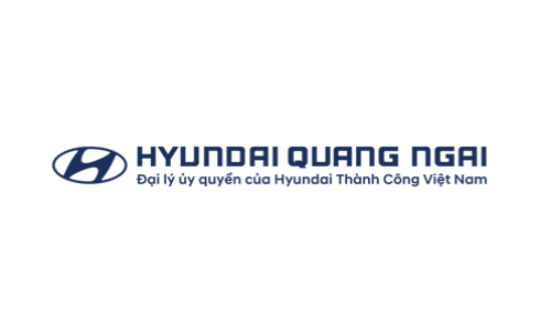 DanaWeb Company hands the website over to Hyundai in Quang Ngai.